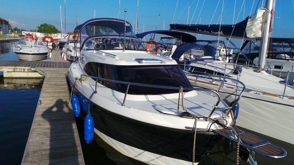 jacht-am-780-mazury-min